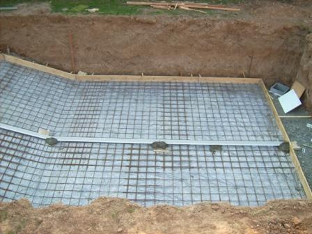 7 coffrage de la dalle lapiscinedespaquerettes - Dalle beton pour piscine ...